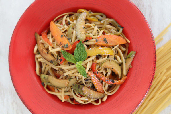 Linguini with Vegetables image